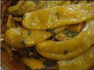 Острый соленый перец по-армянски