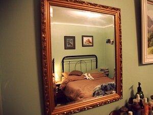 Нежелательность сна перед зеркалом