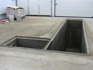 Смотровая яма с угловым входом