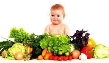 Малыш среди овощей