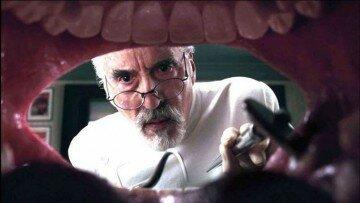 Стоматолог вид изо рта