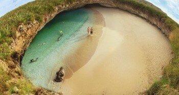 Загадочный пляж в Мексике