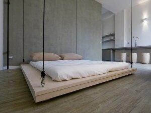 Кровать-трансформер на потолке