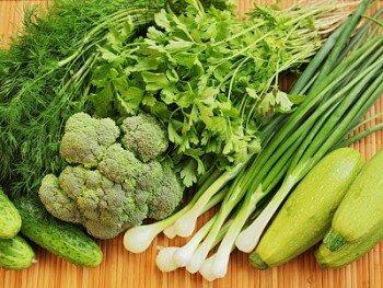 Зеленый кал из-за зеленых овощей