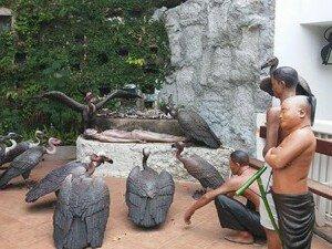 Скульптурный ансамбль, посвященный  буддистским похоронам