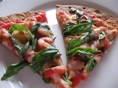Приправление пиццы орегано