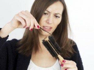 Применение репейного масла при сухости и выпадении волос