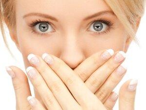 Проблема потемнения эмали зубов