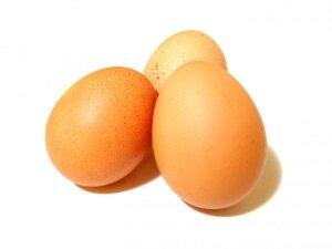 Свежие яйца для приготовления завитушек