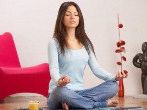 Польза йоги для сокращения месячных